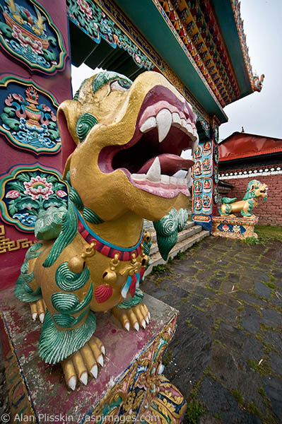 The gate at the entrance to the Tengboche monastery is intricately decorated.