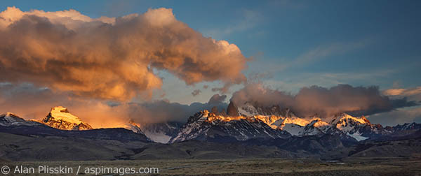 Again, a great sunrise!!   The warm morning light lit up Mt Fitzroy and Cerro Solo (to the left) beautifully.
